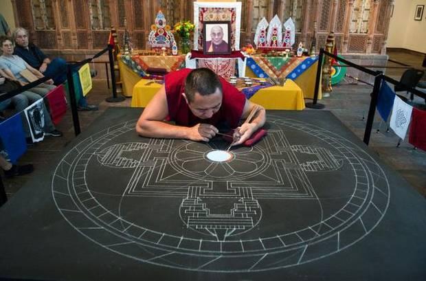 tibetanmonks022